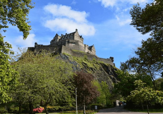 Destinations Edinburgh Attractions