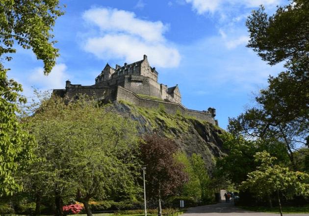 Destinations Edinburgh Attractions